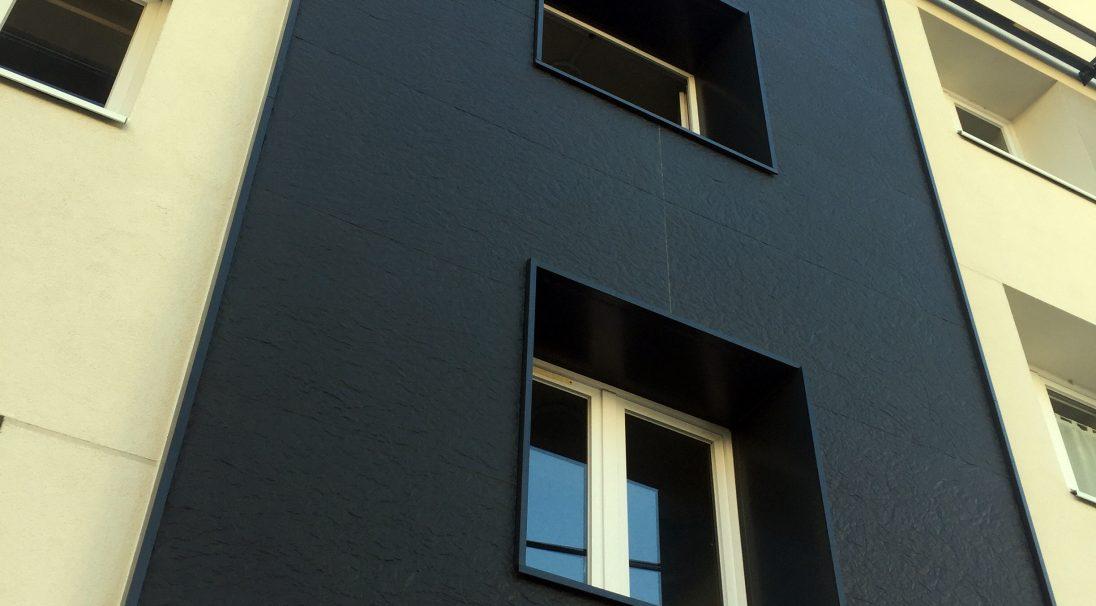 Lieu : Orléans (45),  Architectes : Cabinet Larcher,  Système de pose : bardage avec ossature (BAO),  Produits : MOON iridescent et PAPYRUS