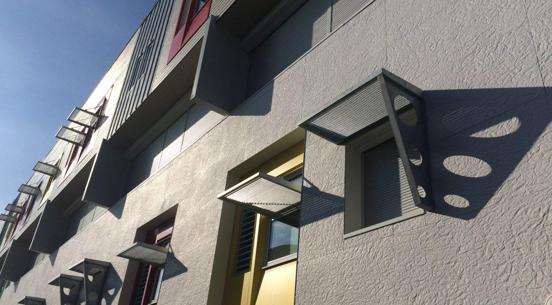 Lieu : Poitiers (86),  Architectes : Cabinet Atelier du Moulin,  Type de construction : rénovation,  Système de pose : bardage avec ossature (BAO),  Produit : PAPYRUS