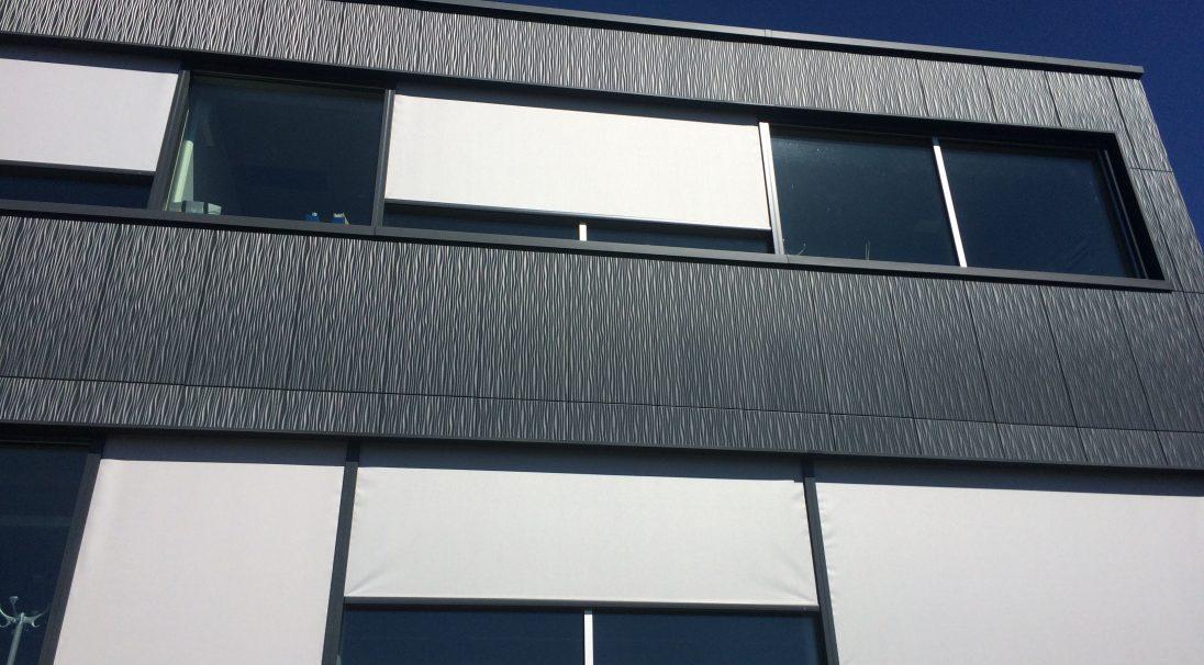 Lieu : Duillier (Suisse),  Type de construction : neuf,  Système de pose : bardage sans ossature (BSO),  Produit : DUNE