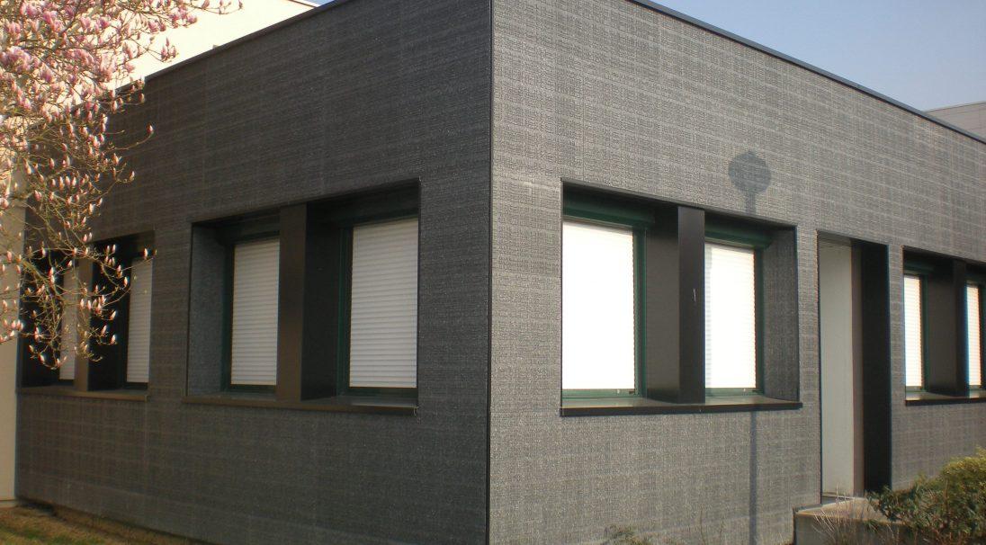 Lieu : Seiches-sur-le-Loir (49),  Type de construction : rénovation,  Système de pose : bardage avec ossature (BAO) et bardage sans ossature (BAO),  Produit : URBA