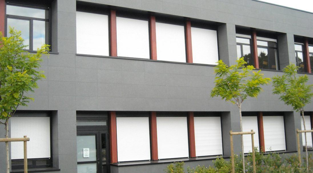 Lieu : Val-d'Oudon (49),  Architectes : Cabinet Boucher,  Type de construction : rénovation,  Système de pose : bardage avec ossature (BAO),  Produits : LISSE VELOUTÉ et TAÏGA
