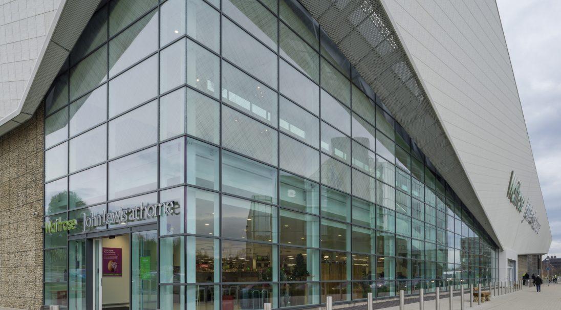 Lieu : Basingstoke (Angleterre),  Architectes : 3D Reid,  Type de construction : neuf,  Système de pose : bardage avec ossature (BAO),  Produit : PAPYRUS